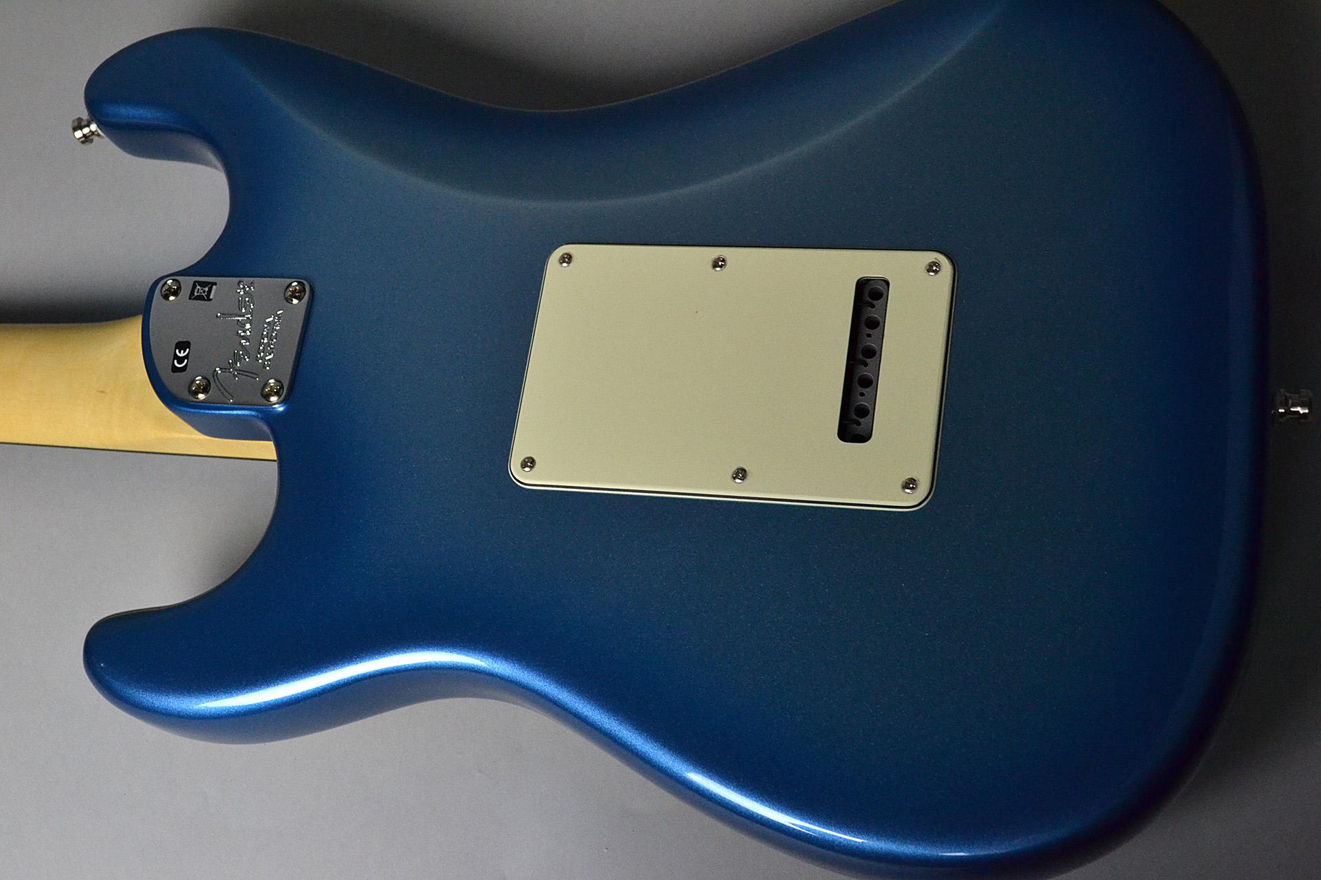 American Elite Stratocaster Sky Burst Metallicのボディバック-アップ画像
