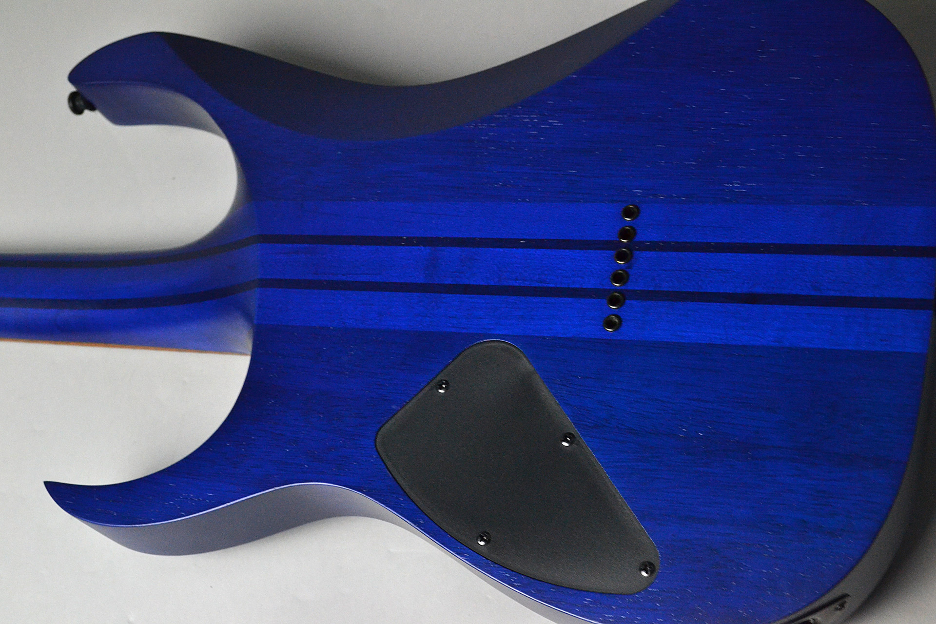 RGRT621DPB BLF Blue Lagoon Burst Flat【限定モデル】のボディバック-アップ画像
