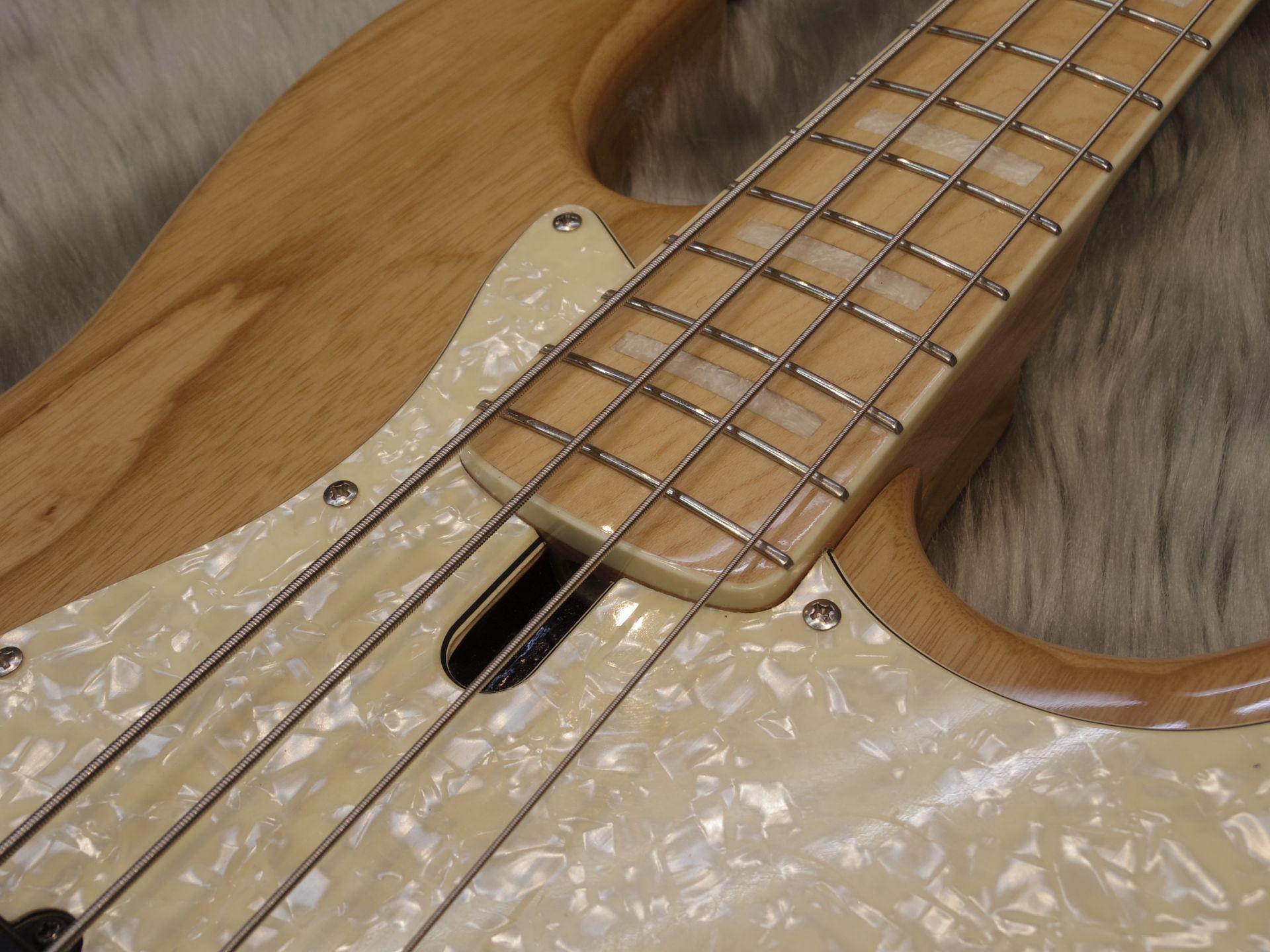 V7-4st/S.Ashの指板画像