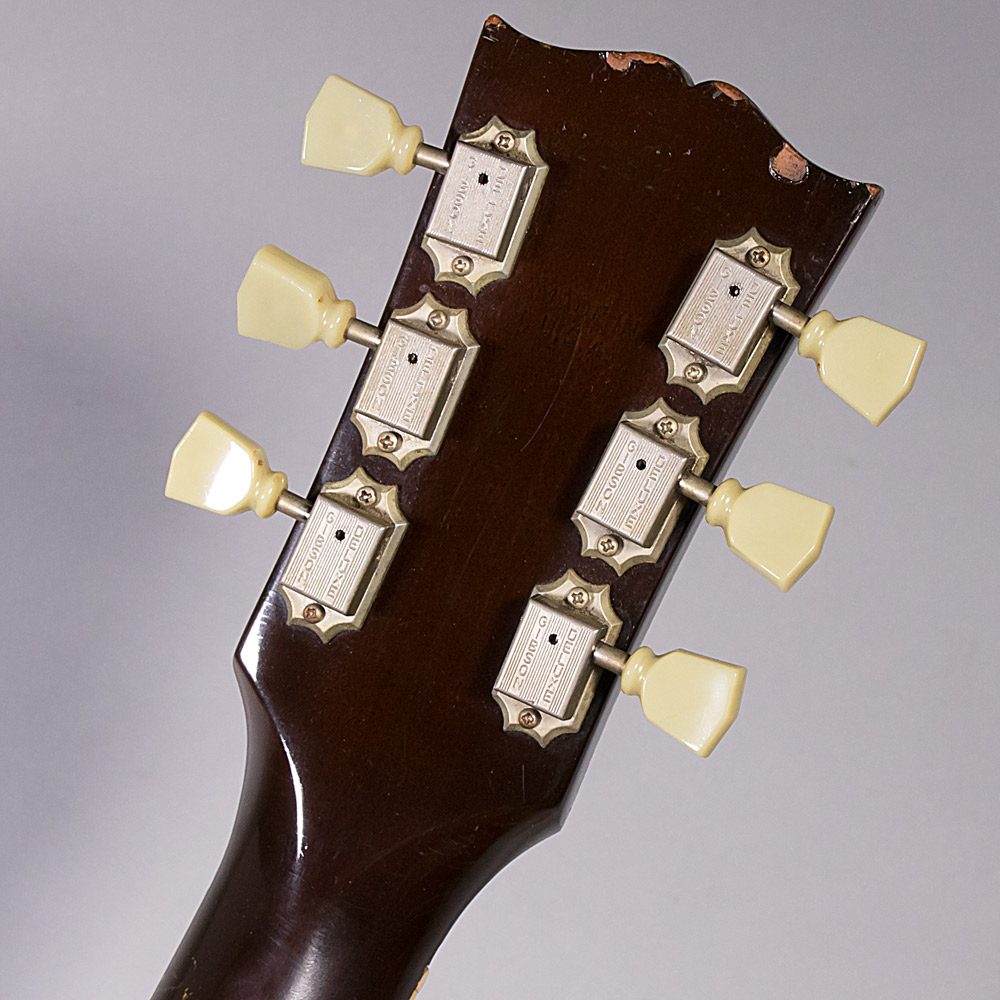 Gibson J160Eのヘッド裏-アップ画像