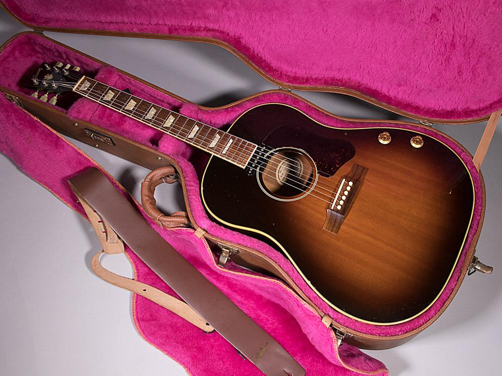 Gibson J160Eのケース・その他画像