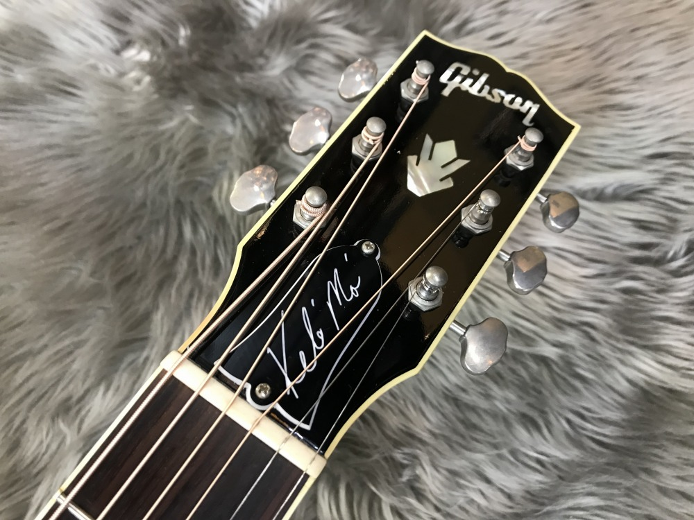 Keb Mo Signature Acoustic Blues Master Modelのヘッド裏-アップ画像