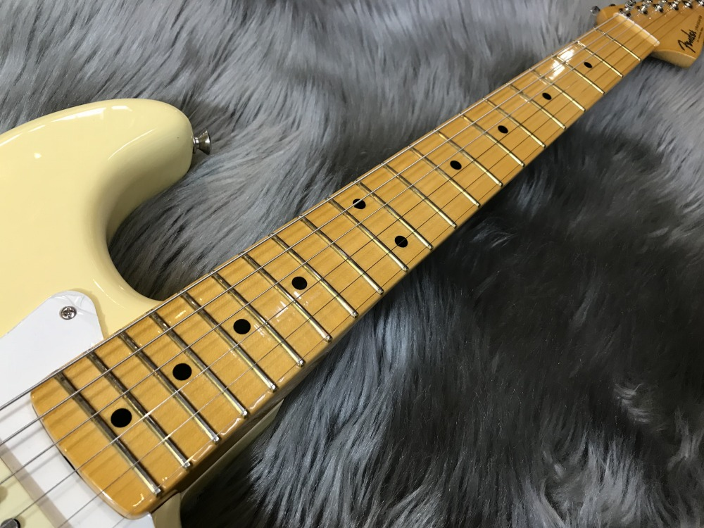 ERIC JOHNSON SIGNATURE  STRATOCASTER® THINLINEの全体画像(縦)