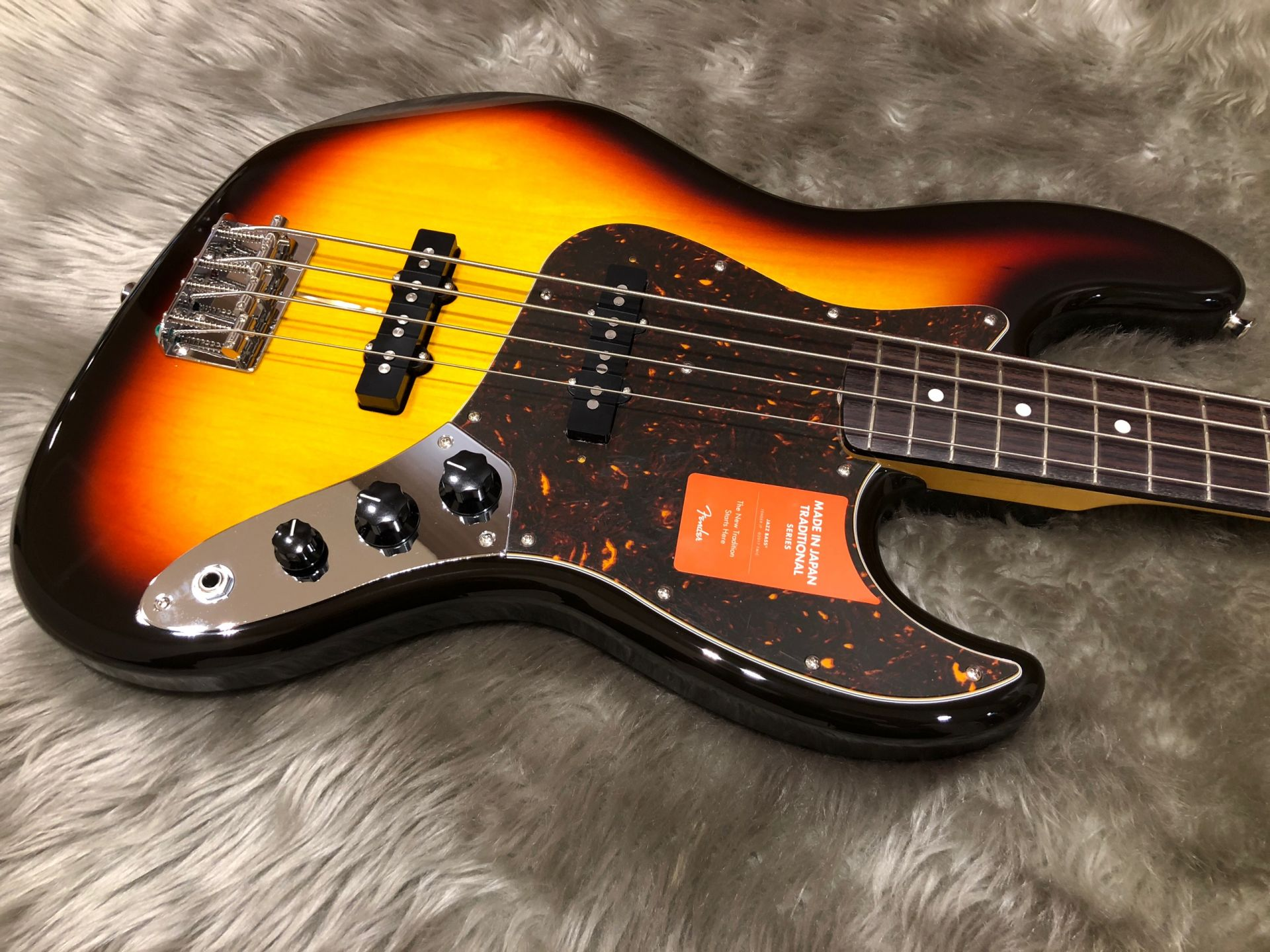 MIJ Traditional 60s Jazz Bass, Rosewoodのボディトップ-アップ画像