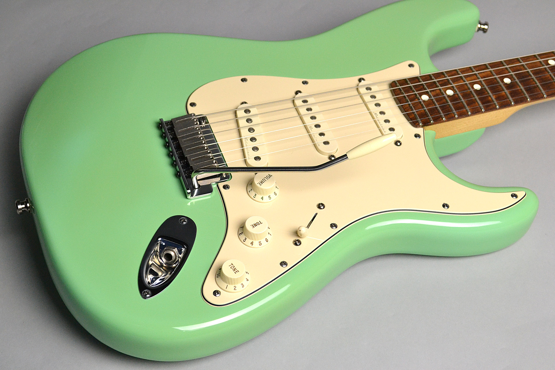 USED/ Jeff Beck Stratocaster Dual-coil Celamic Noise-less Pickupのボディトップ-アップ画像