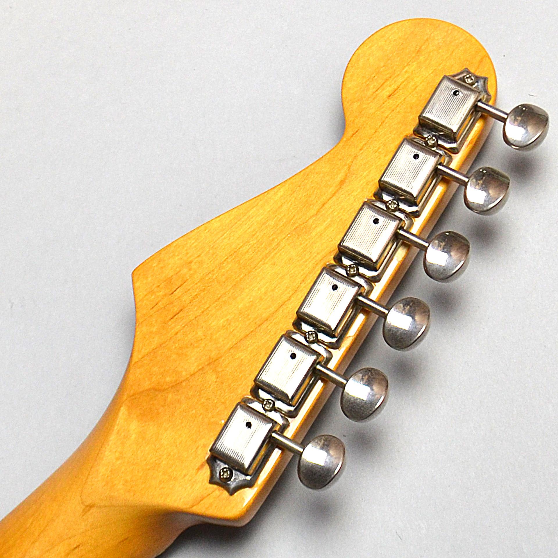 American Vintage '57 Stratocasterのヘッド裏-アップ画像