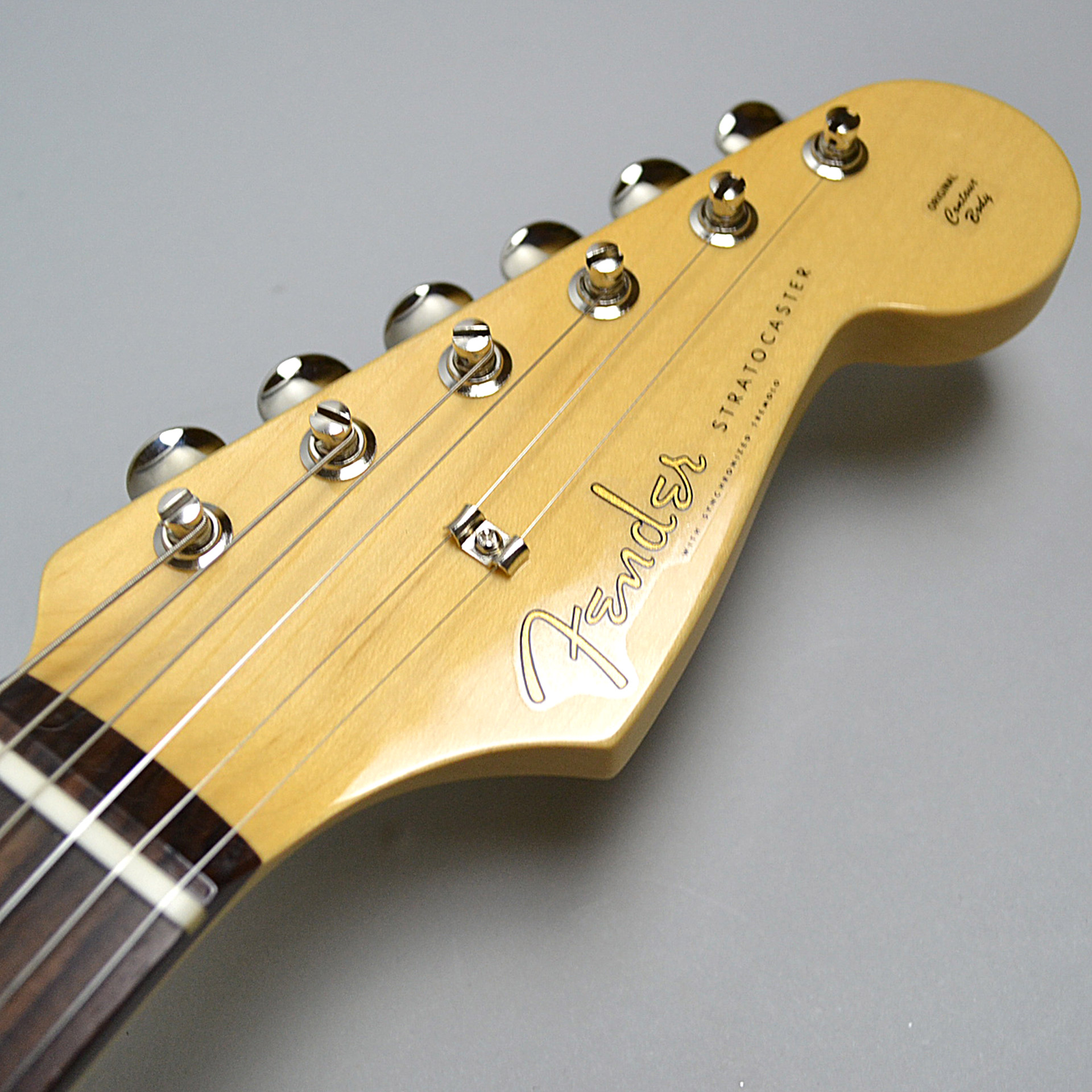 MADE IN JAPAN HYBRID 60S STRATOCASTERのヘッド画像