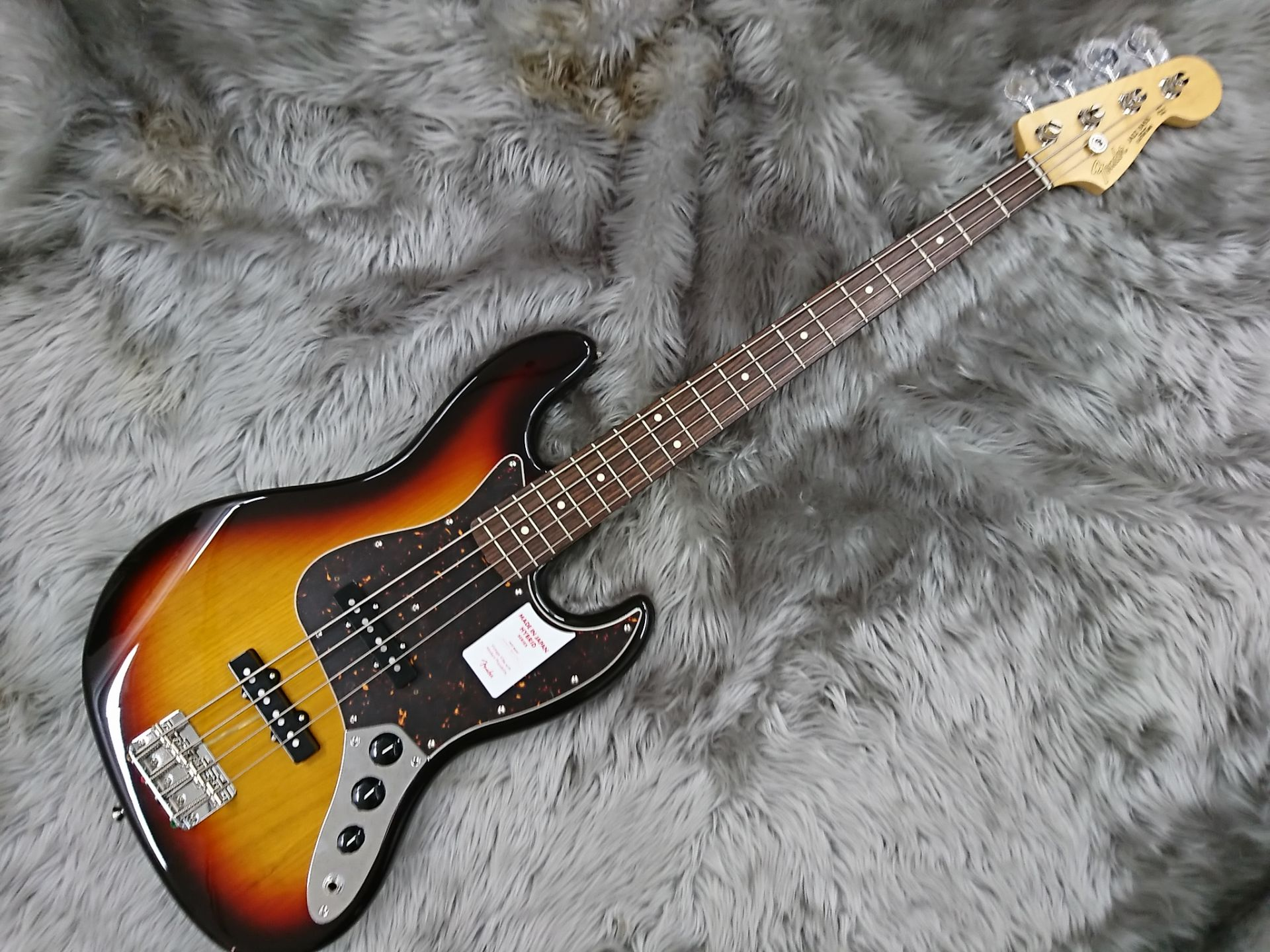 MADE IN JAPAN HYBRID 60S JAZZ BASS