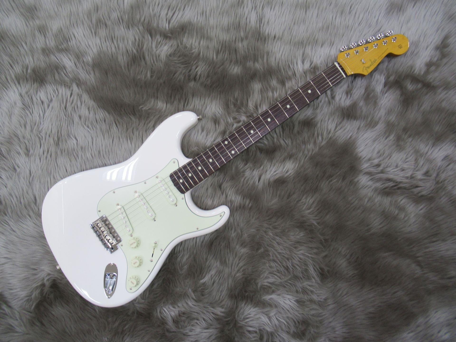 Fender  TRAD 60S STRAT 写真画像
