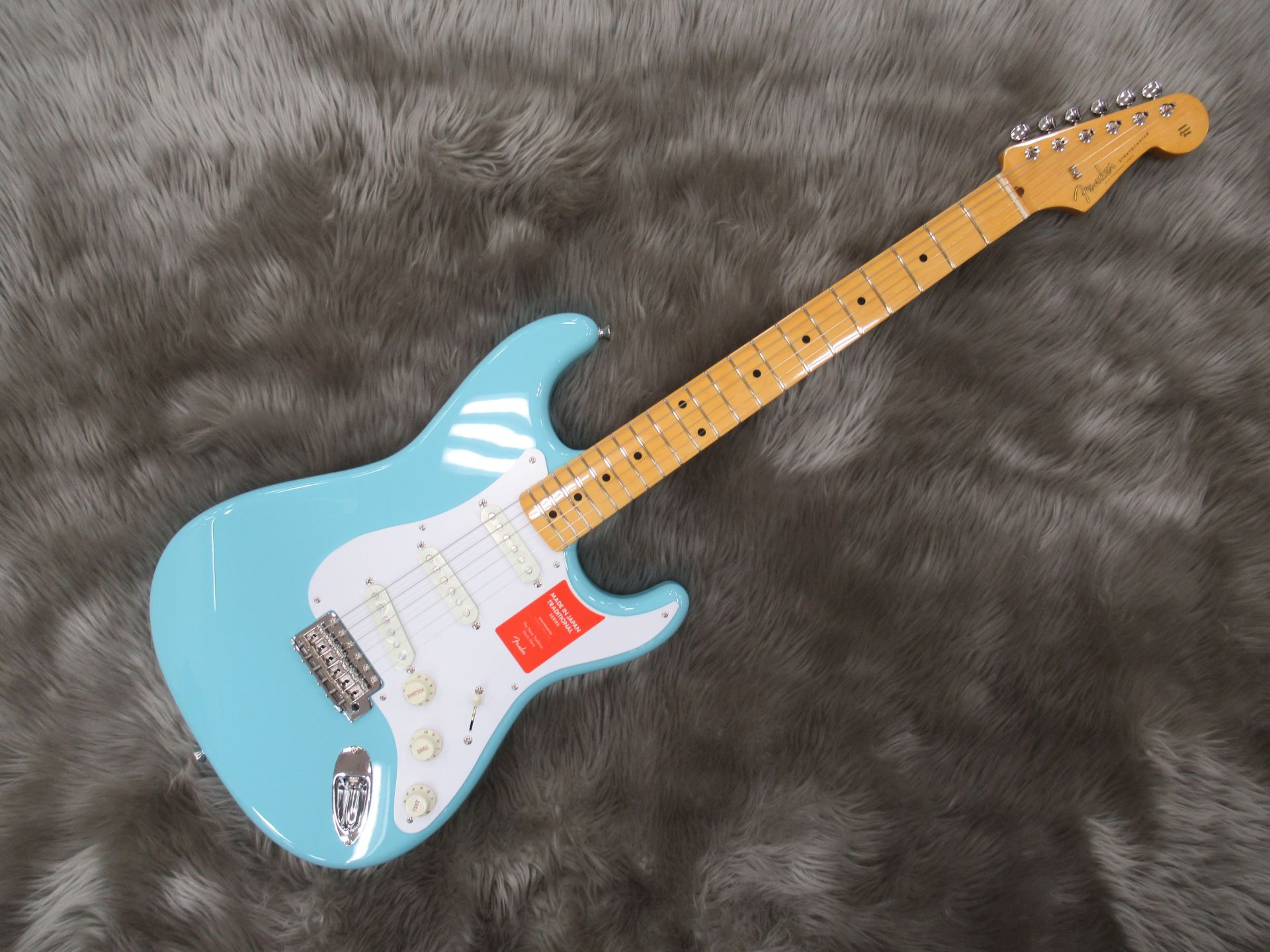Fender  TRAD 50S STRAT 写真画像