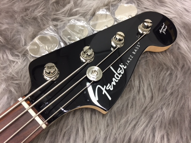 Japan Exclusive Aerodyne Jazz Bassのヘッド裏-アップ画像