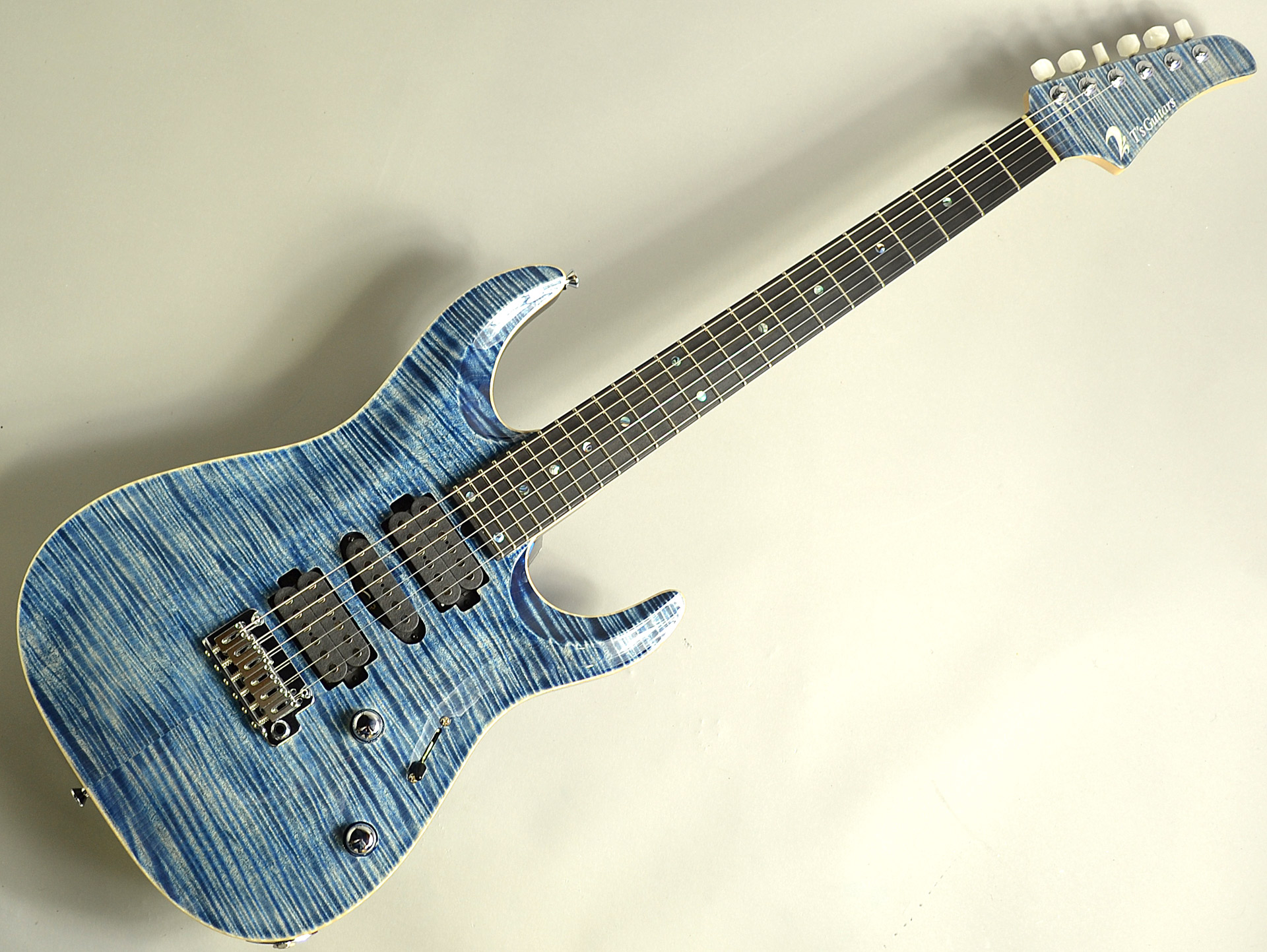 DST-Pro24 Carvedtop 5A FlameMapleの全体画像