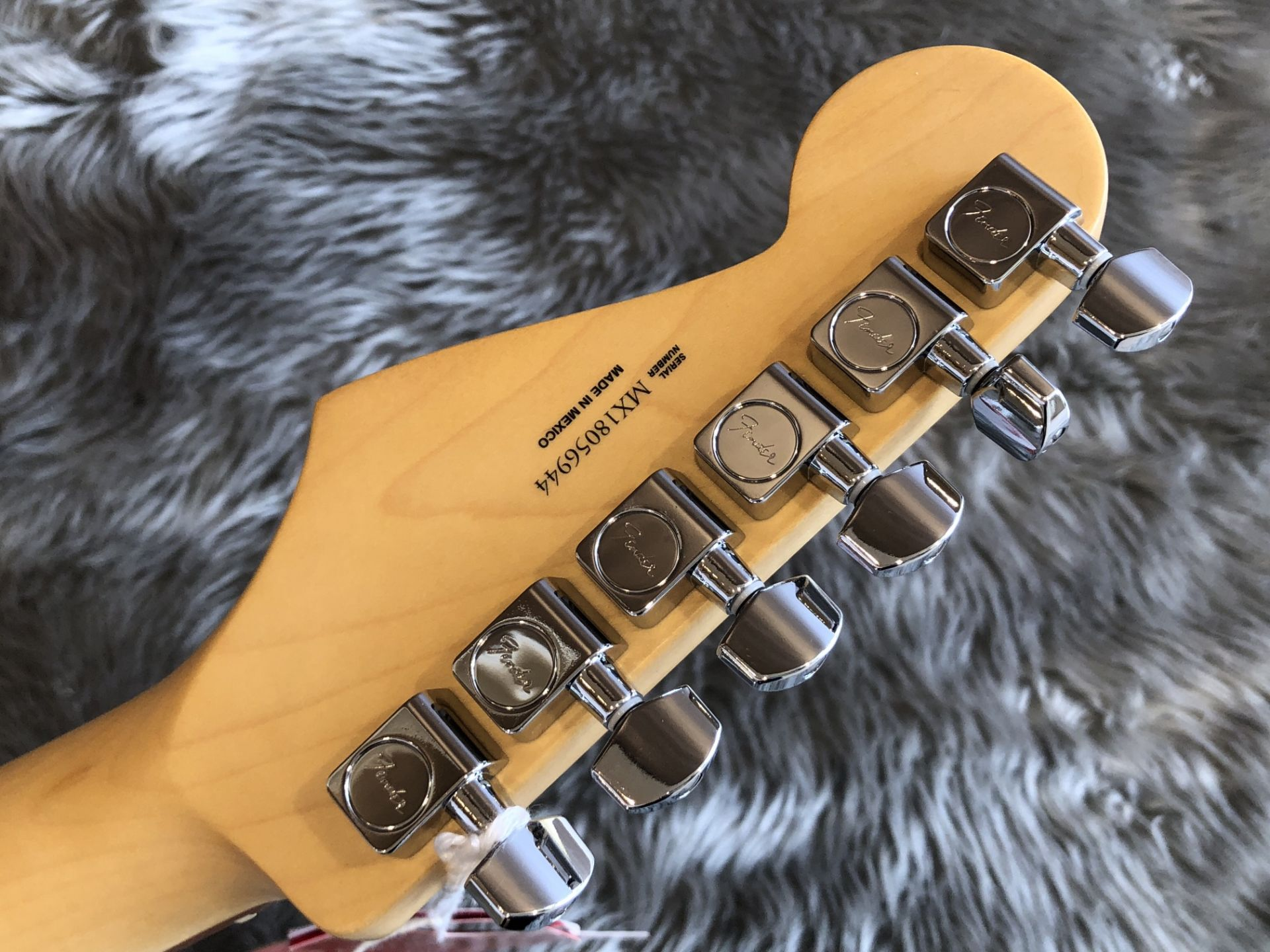 Player Stratocasterのヘッド裏-アップ画像