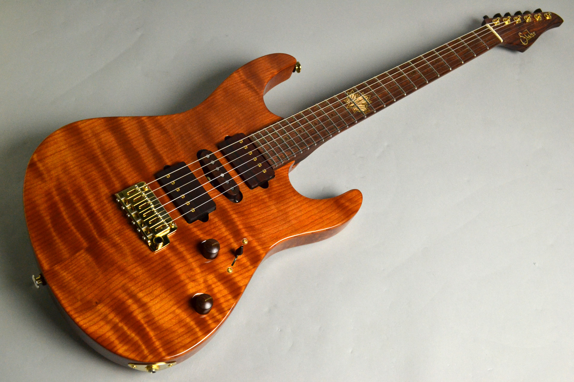 Modern Carved Top Redwood 2015 Collection Limited