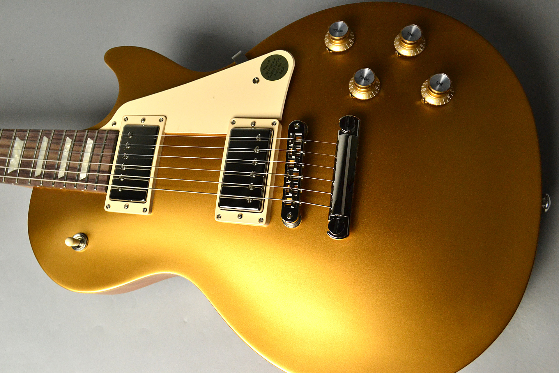 Les Paul Tribute 2018 Satin Gold Topの全体画像(縦)