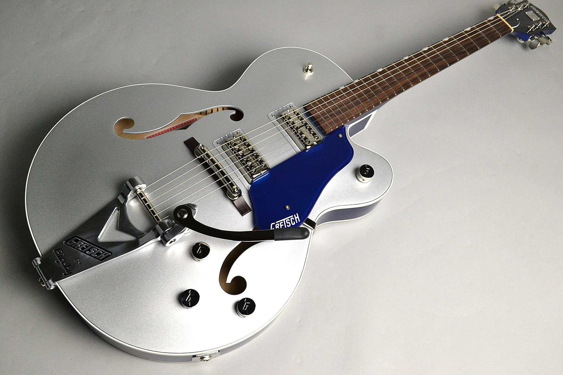 G6118T Players Edition Anniversary 2-Tone Iridium Silver/Azure Metallicの全体画像