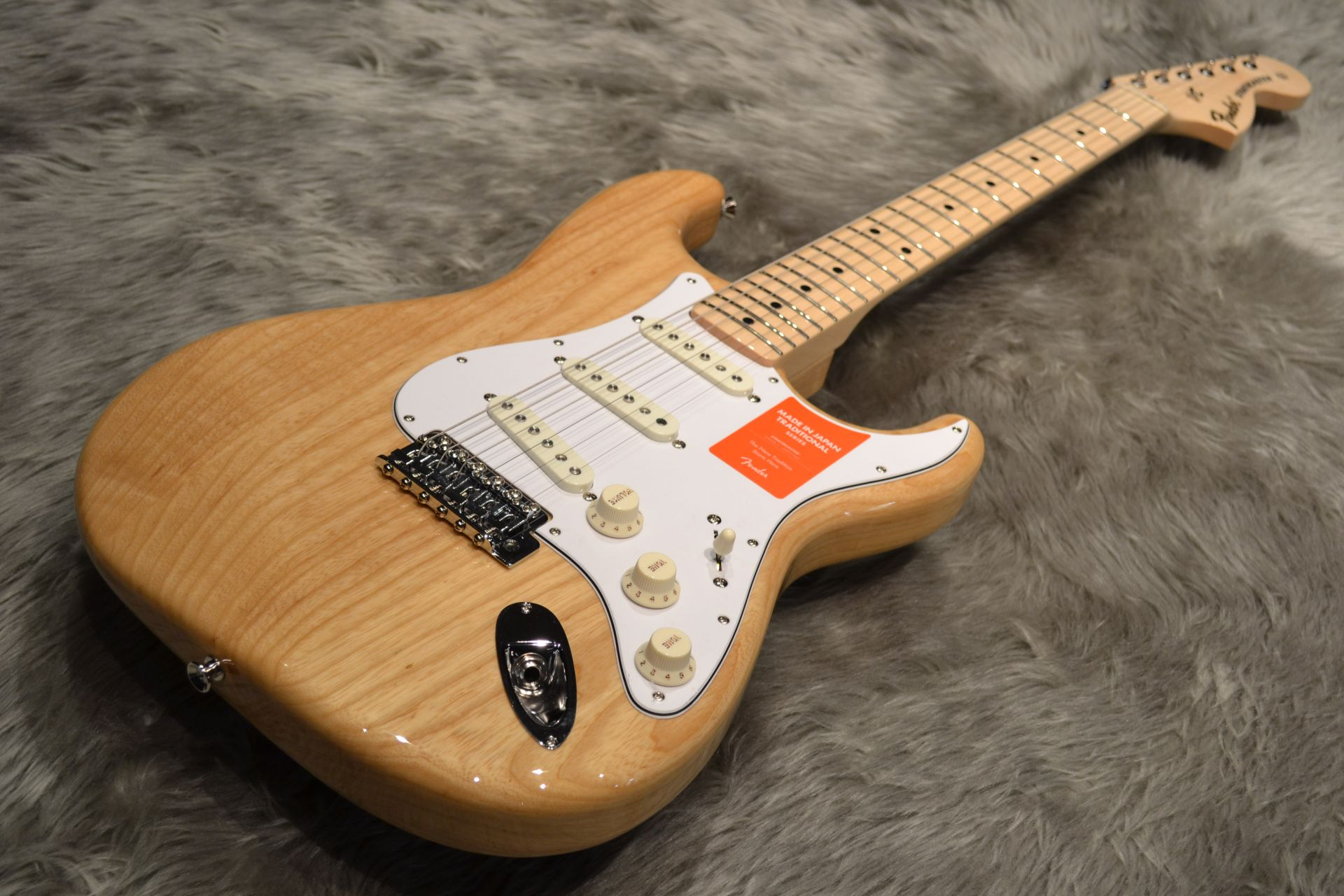 Made in Japan Traditional 70s Stratocaster ASH