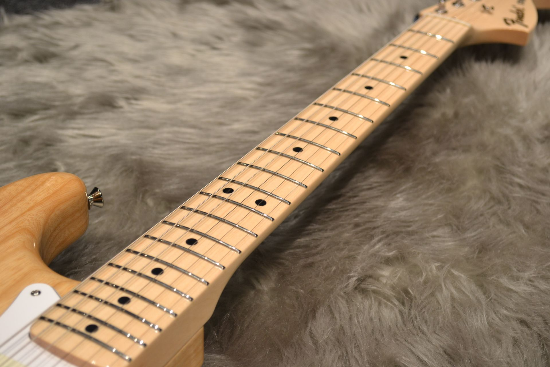 Made in Japan Traditional 70s Stratocaster ASHの指板画像