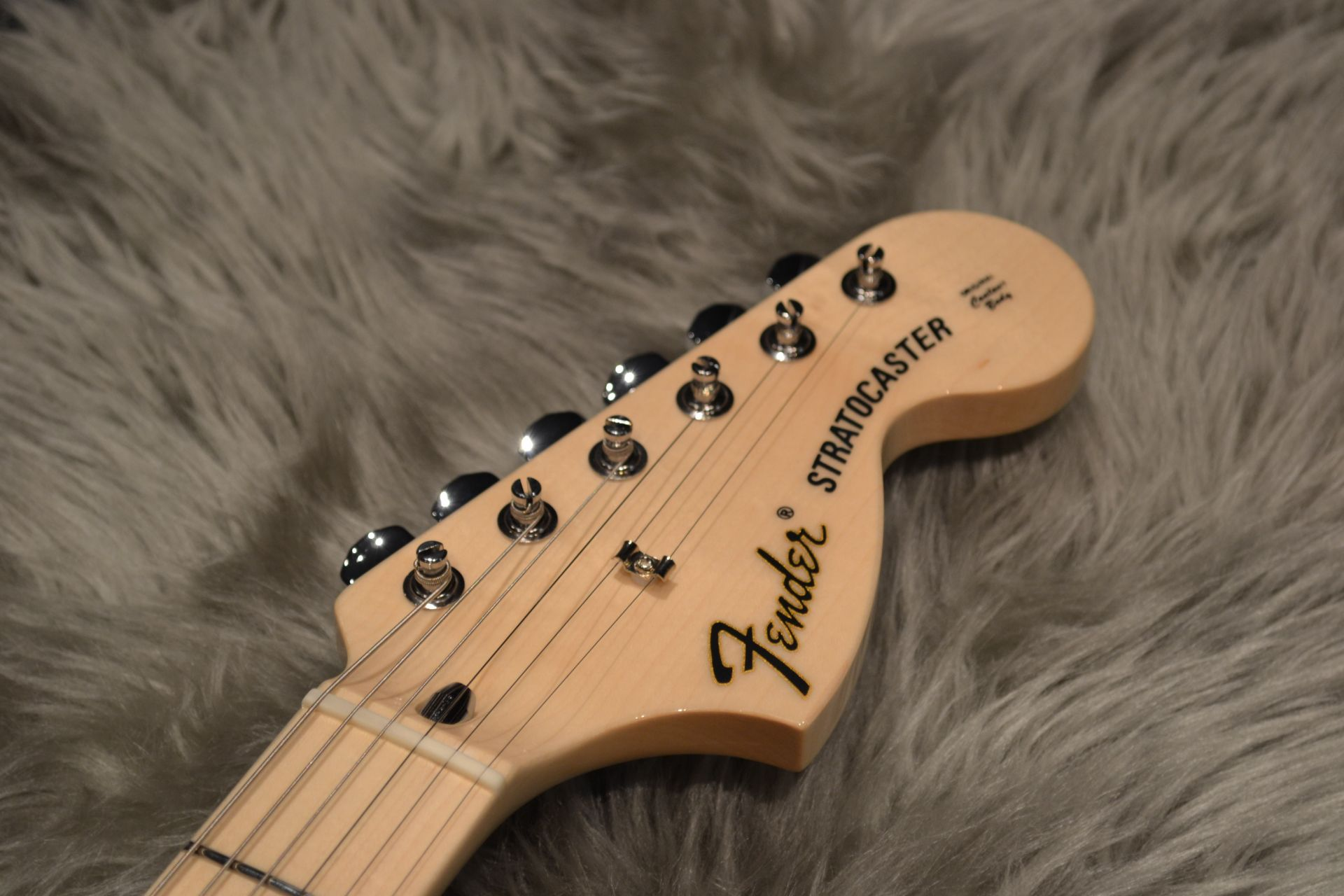 Made in Japan Traditional 70s Stratocaster ASHのヘッド画像