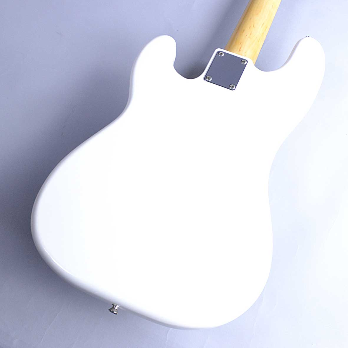 Fender TRAD 70S P BASSの全体画像(縦)
