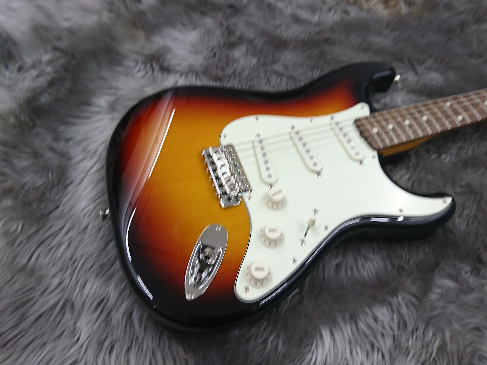 MADE IN JAPAN TRADITIONAL 60S STRATOCASTER RWのボディトップ-アップ画像