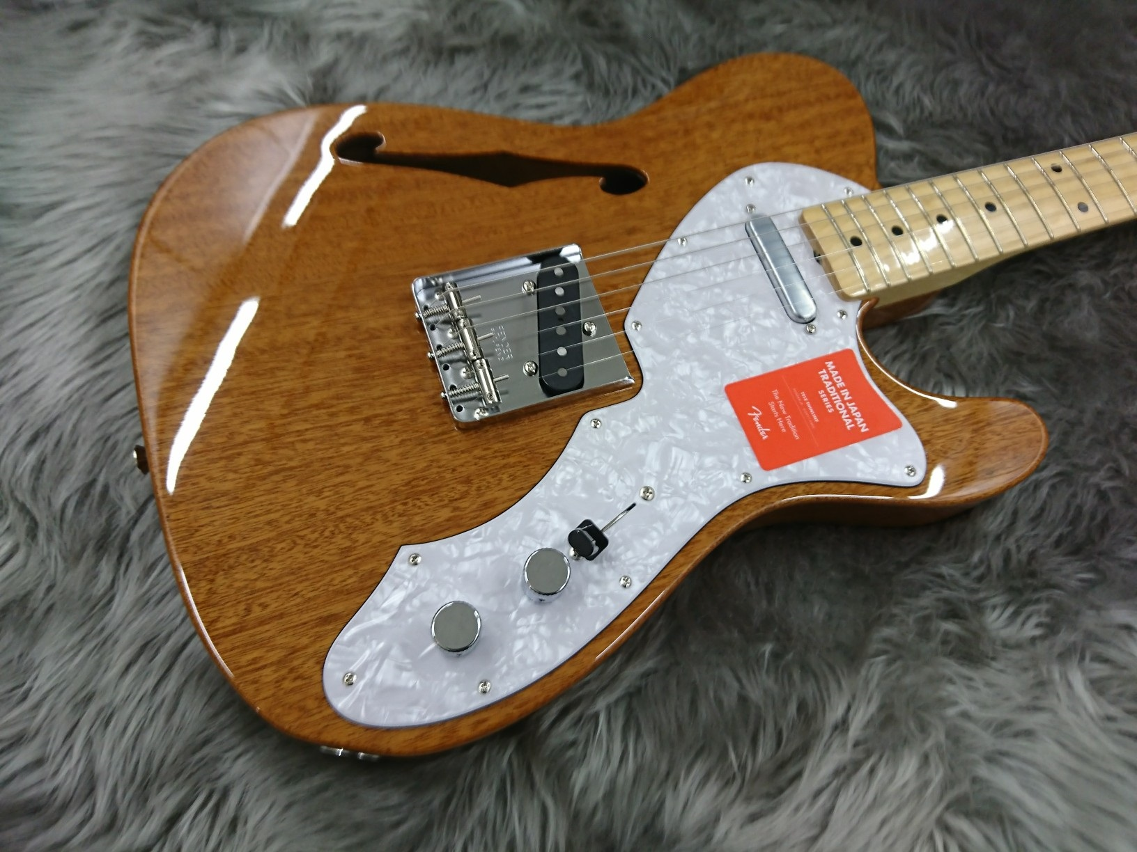 MADE IN JAPAN TRADITIONAL 69 TELECASTER THINLINEのボディトップ-アップ画像