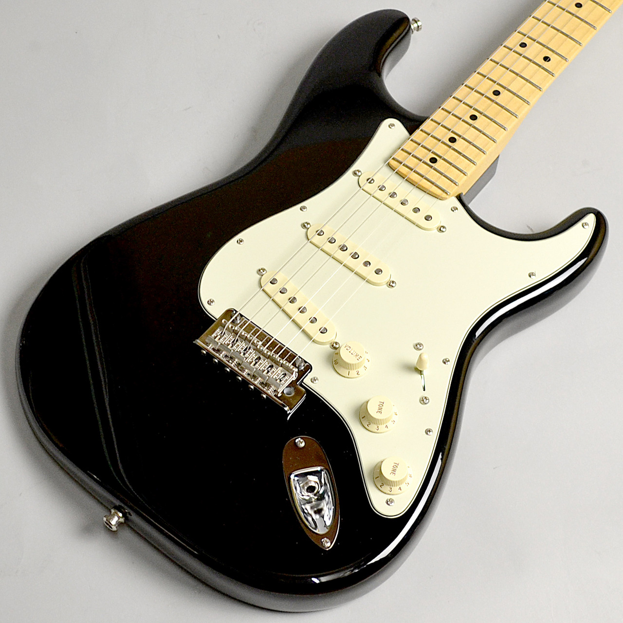 American Professional Stratocaster/M BLKのボディトップ-アップ画像