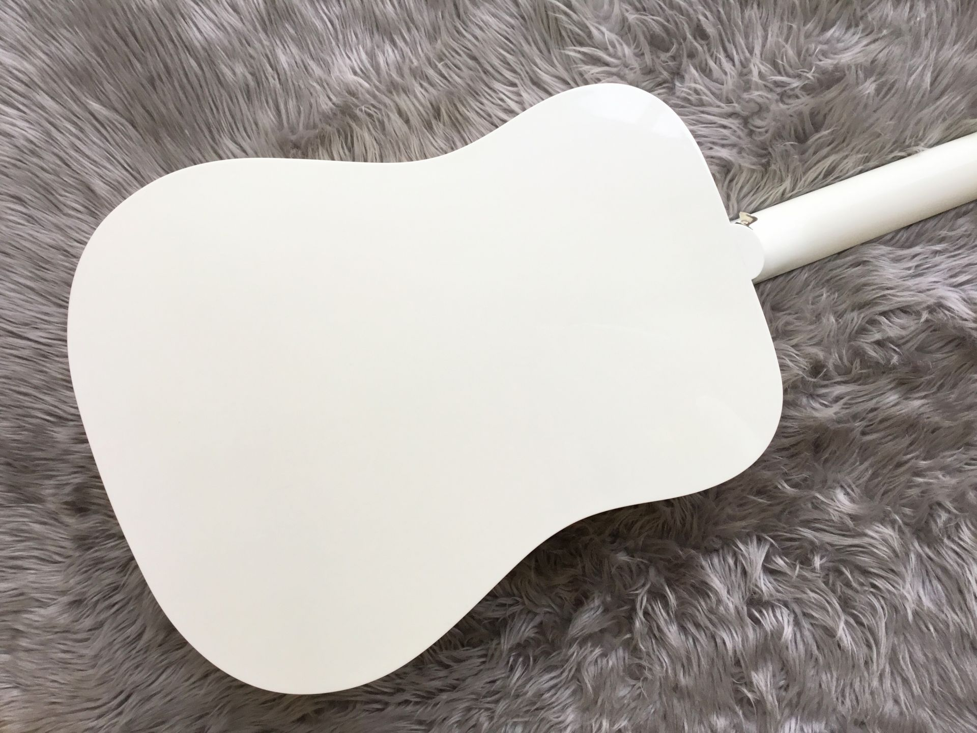 Humminbird Whiteのボディバック-アップ画像