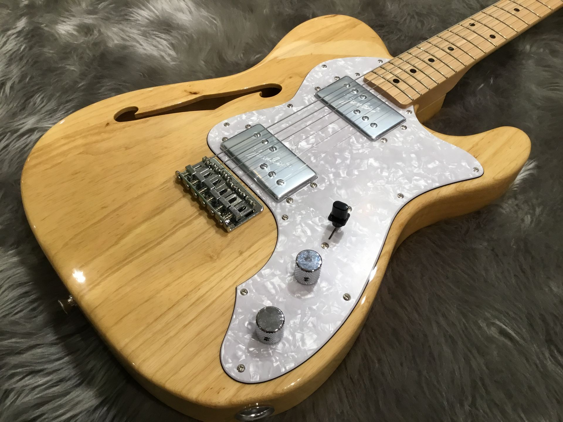 Fender Japan Exclusive Classic 70s Telecaster Thinlineのボディトップ-アップ画像