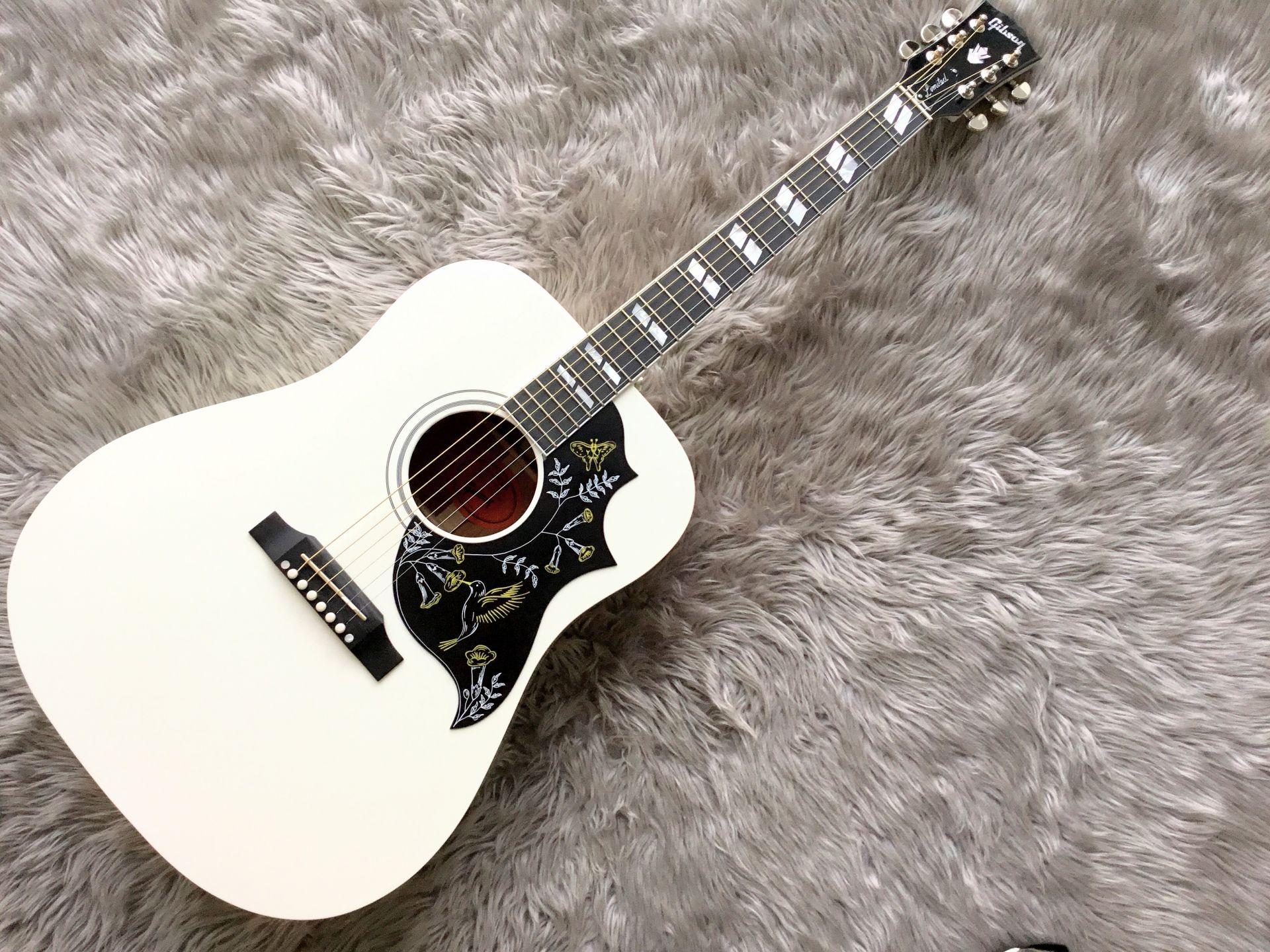 Humminbird Whiteのボディトップ-アップ画像