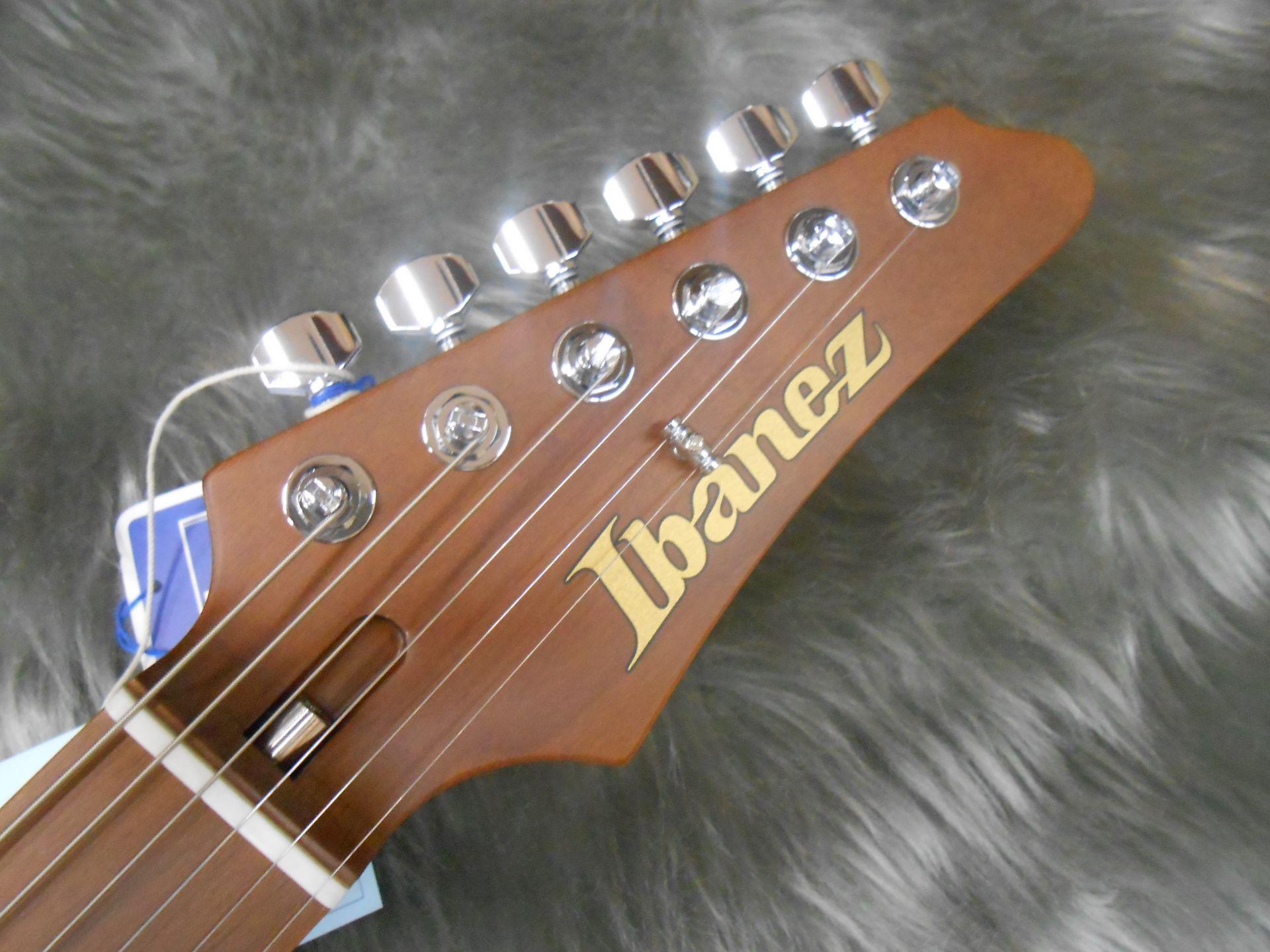 Ibanez AZ2204Fのヘッド画像