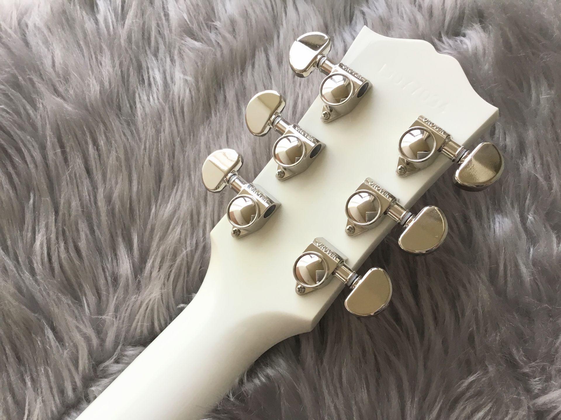 Humminbird Whiteのヘッド裏-アップ画像