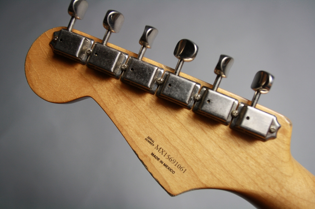 Road Worn 50s Stratocasterのヘッド裏-アップ画像