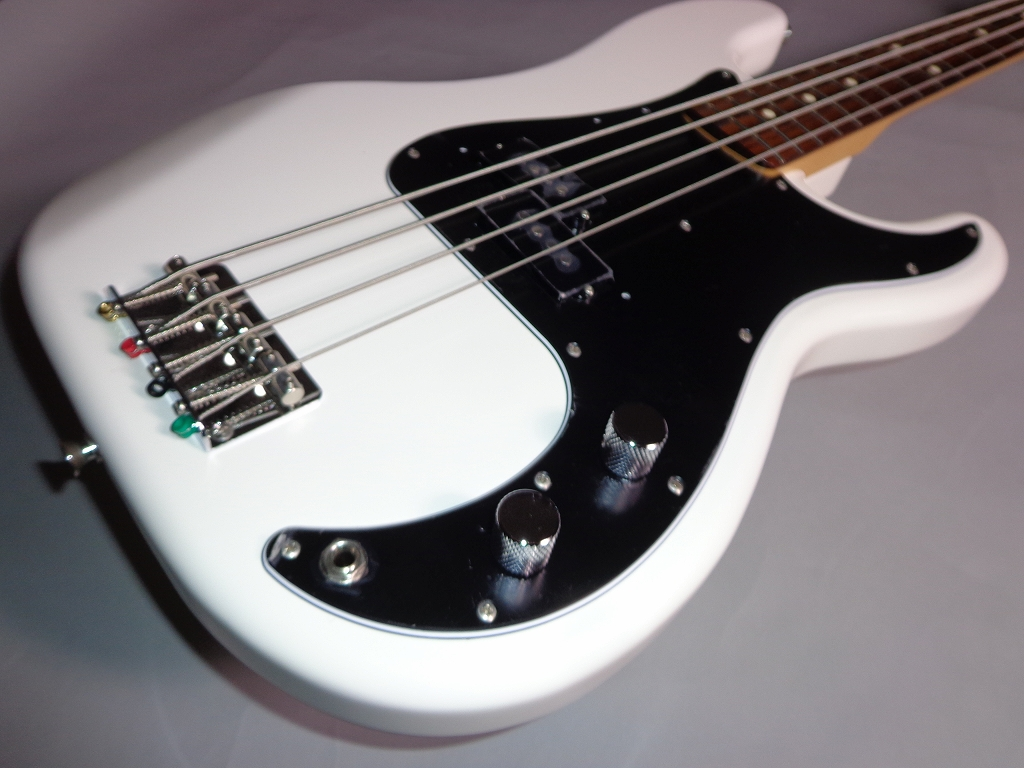 Made in Japan Traditional 70S PRECISION BASSのケース・その他画像