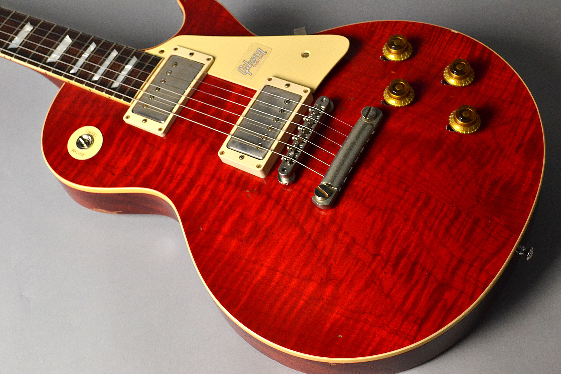Historic Collection 1958 Les Paul Standard Reissue Lightly Aged Sweet Cherryの全体画像(縦)