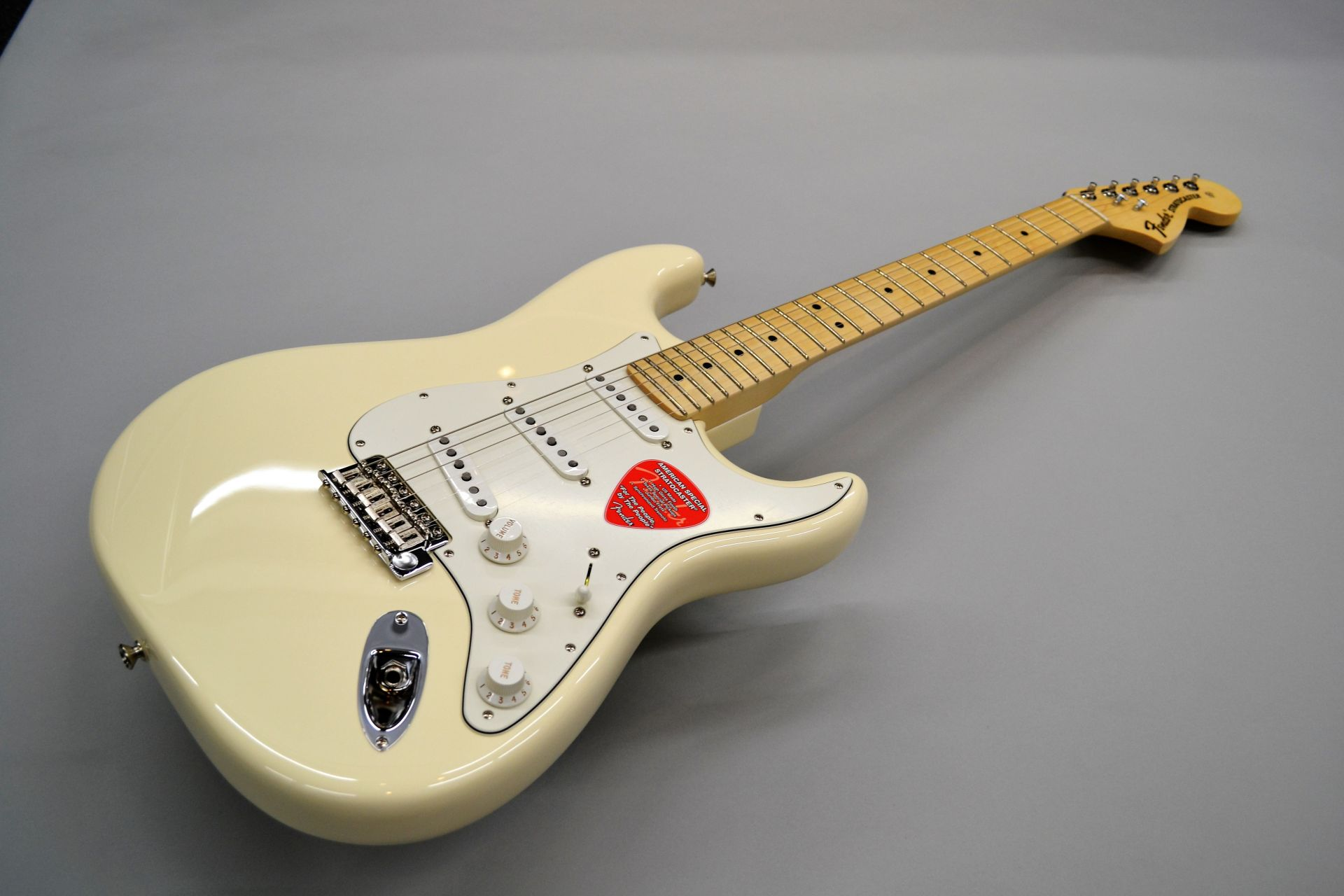Fender  American Special Stratocaster Olympic W... 写真画像