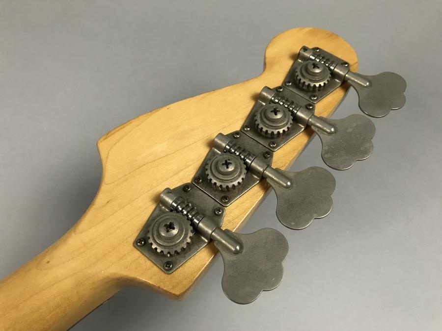MusicMaster Bassのヘッド裏-アップ画像