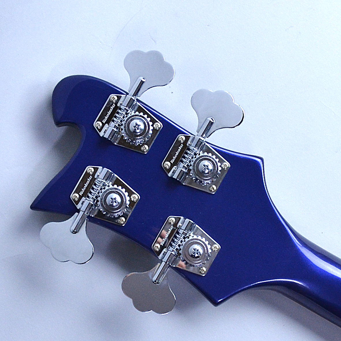 Rickenbacker 4003のヘッド裏-アップ画像