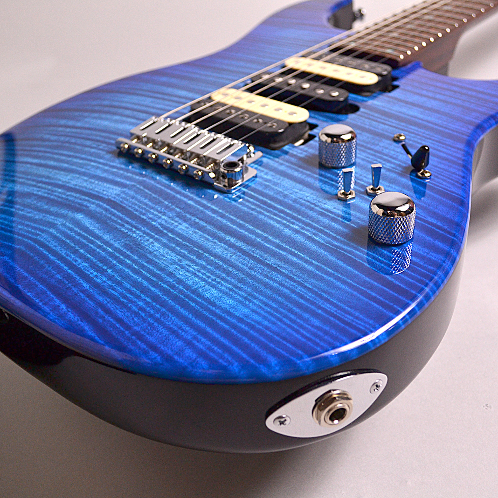 T's Guitars DST24 Custom Made Trance Blue Burst  #A2のボディバック-アップ画像