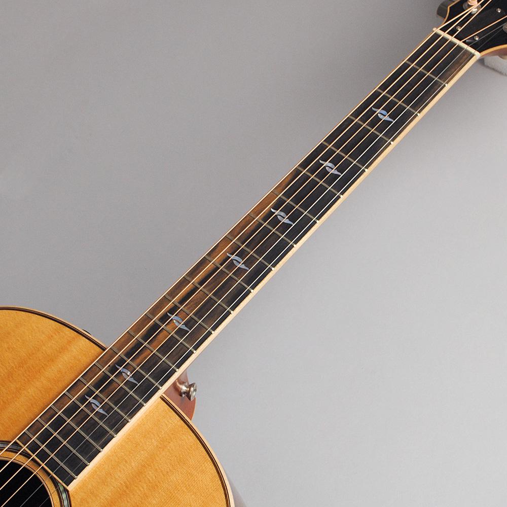 Taylor 818e ES2/NAT(s/n:1101206030) エレアコギター 【テイラー】【ビビット南船橋店】【アウトレット】の指板画像