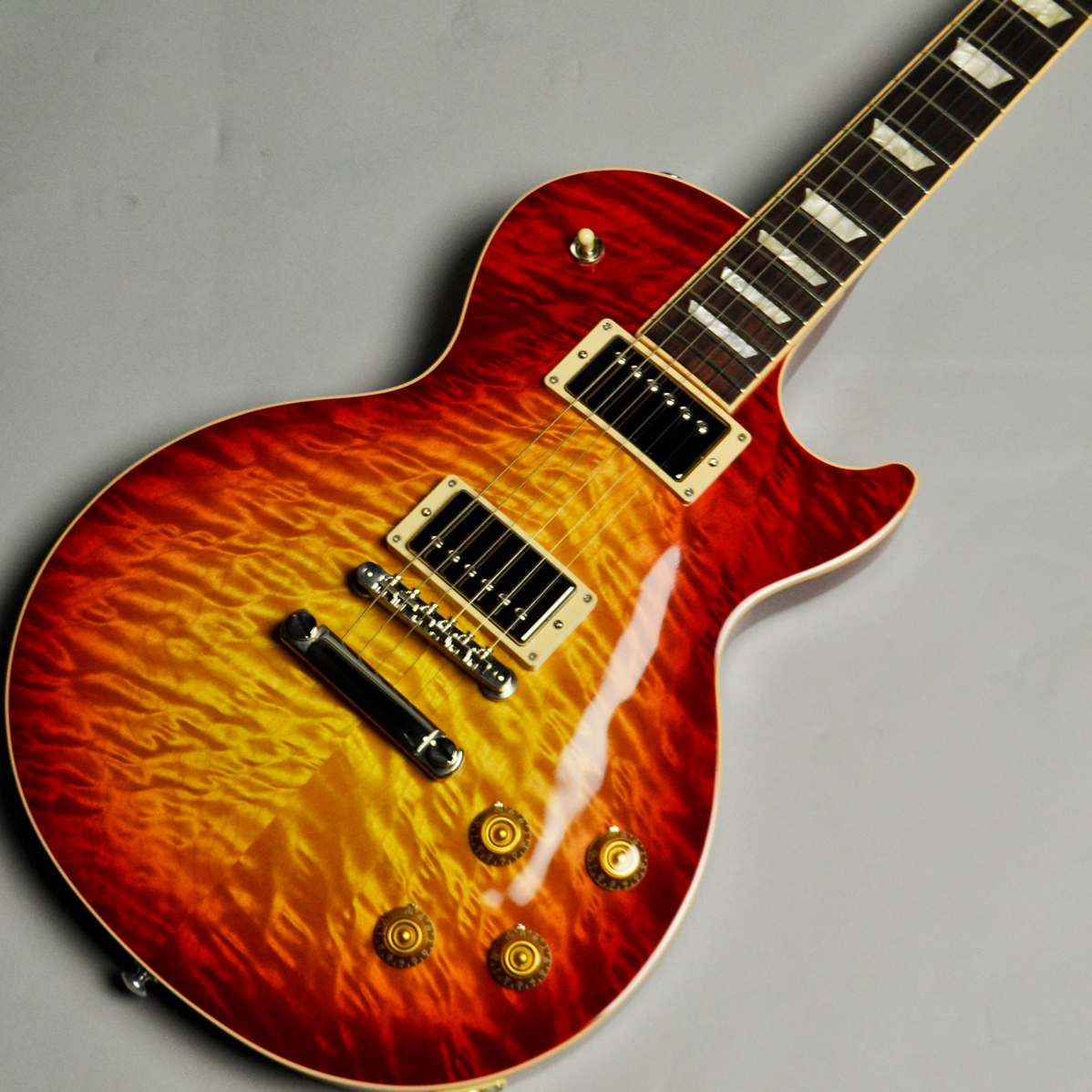 Les Paul Traditional Plus Quilt 2017 Limited Heritage Cherry Sunburstのケース・その他画像