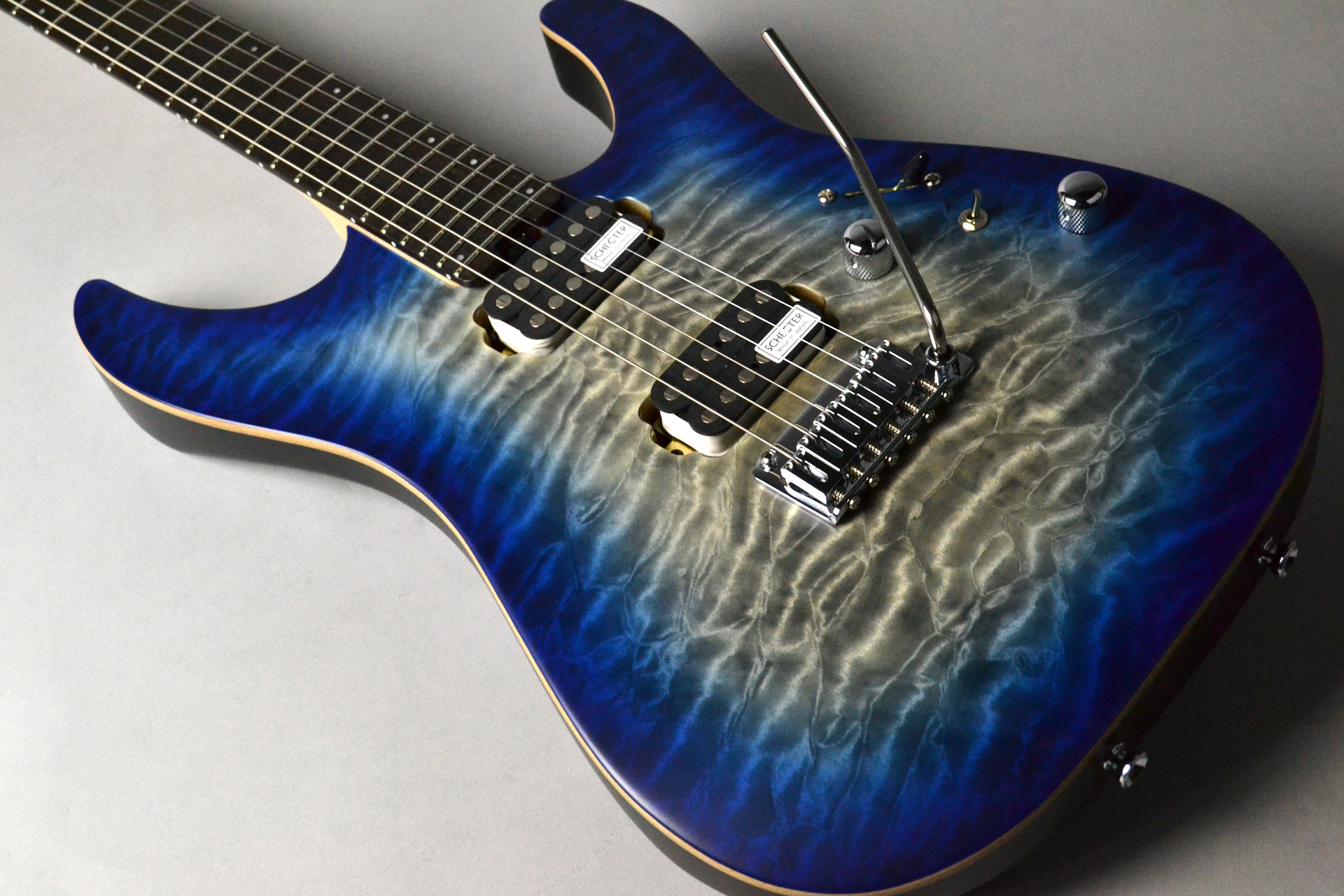 L-NV-3-24-AL-2HVTR/R	Trans Blue Natural Burst Satinの全体画像(縦)