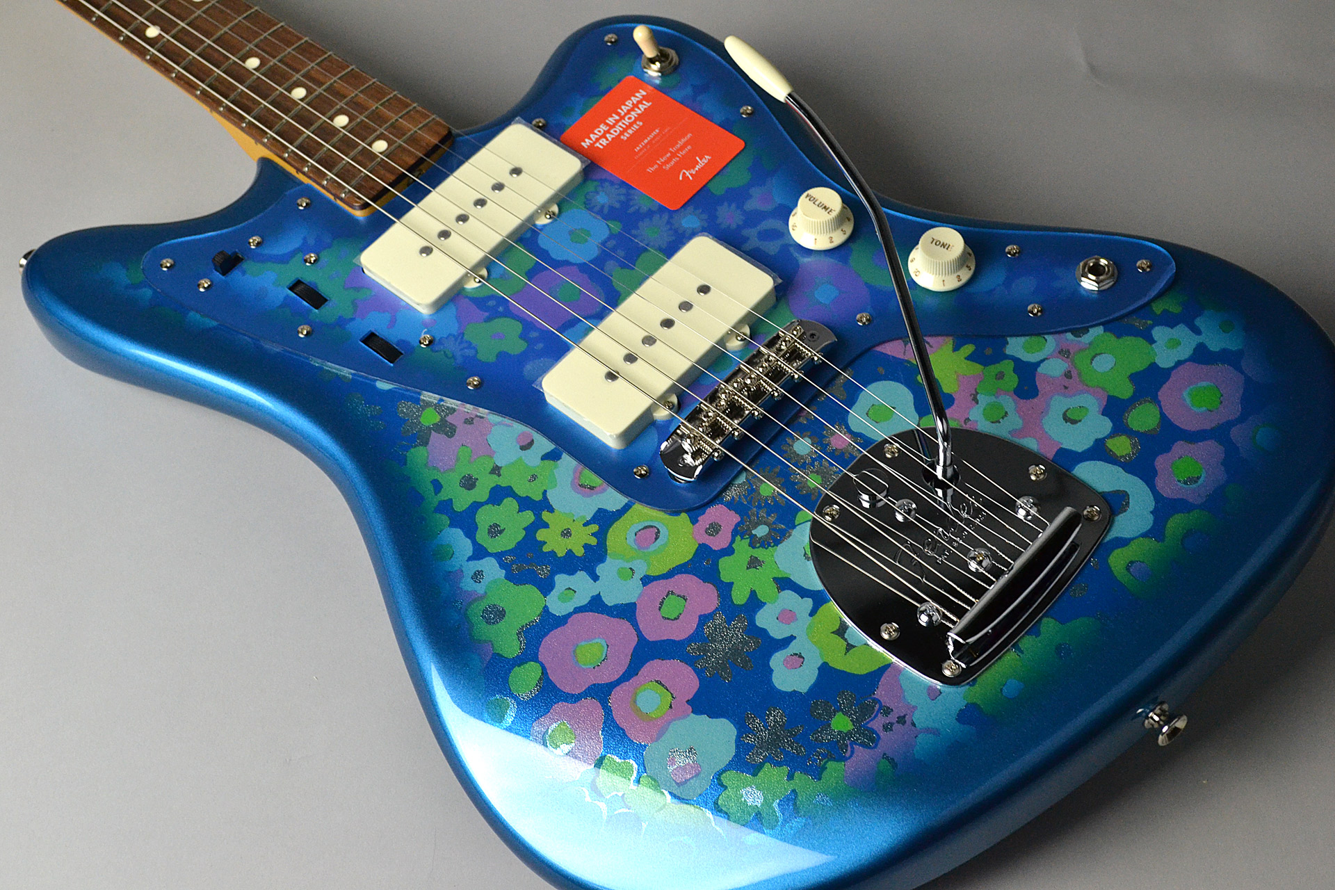 MADE IN JAPAN TRADITIONAL 60S Jazzmaster Blue Flowerの全体画像(縦)