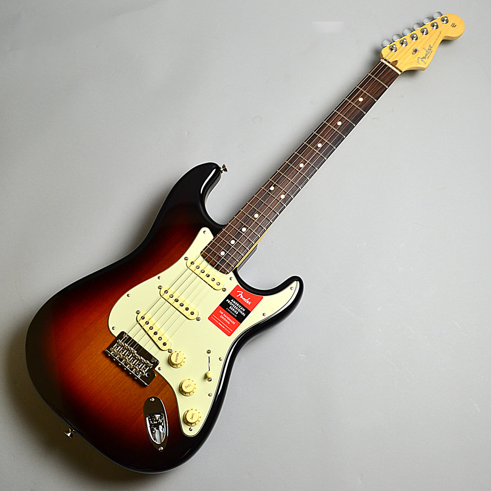 American Professional Stratocasterの全体画像(縦)