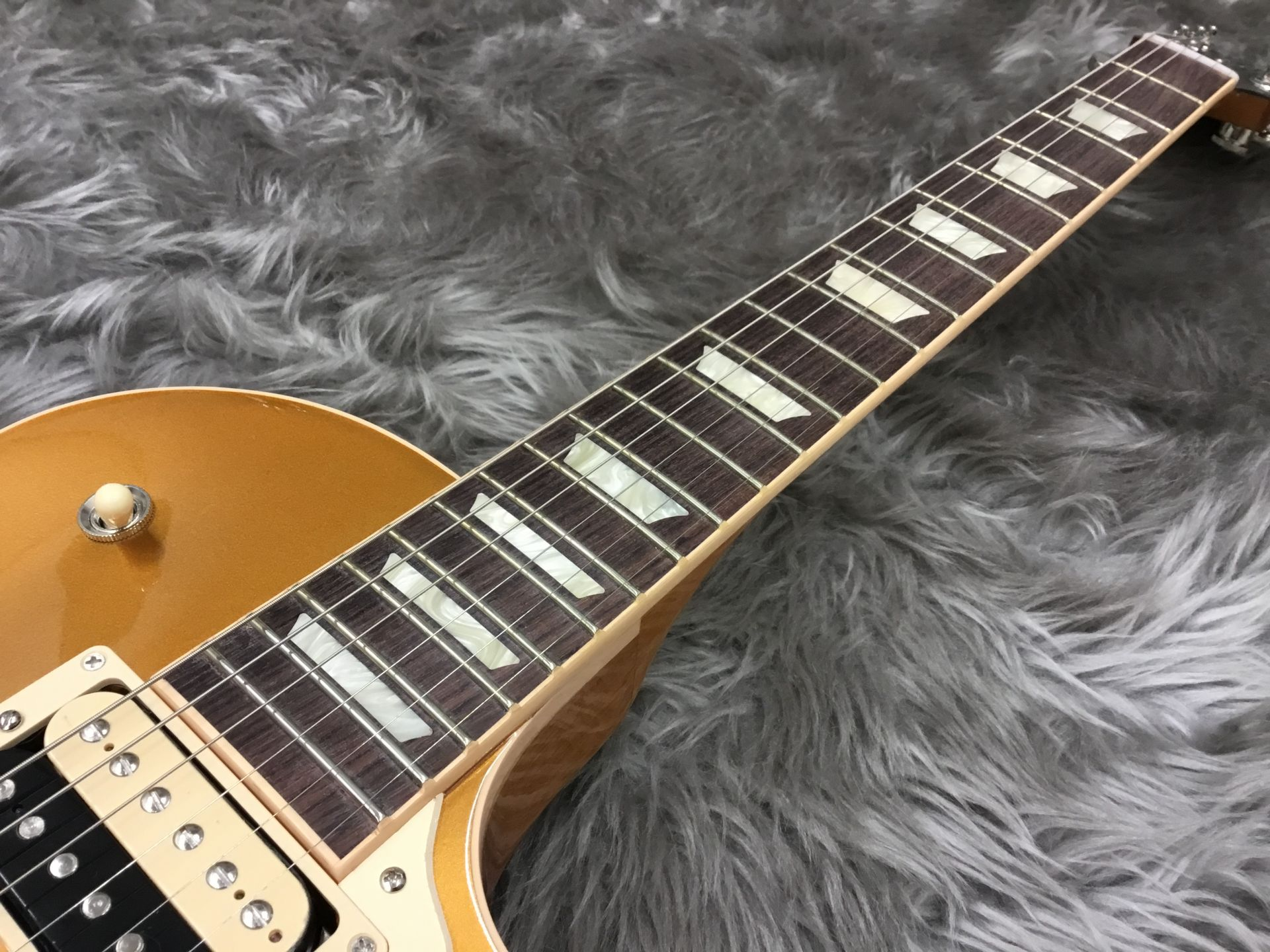 Les Paul Classic 2017 Gold Topのボディバック-アップ画像