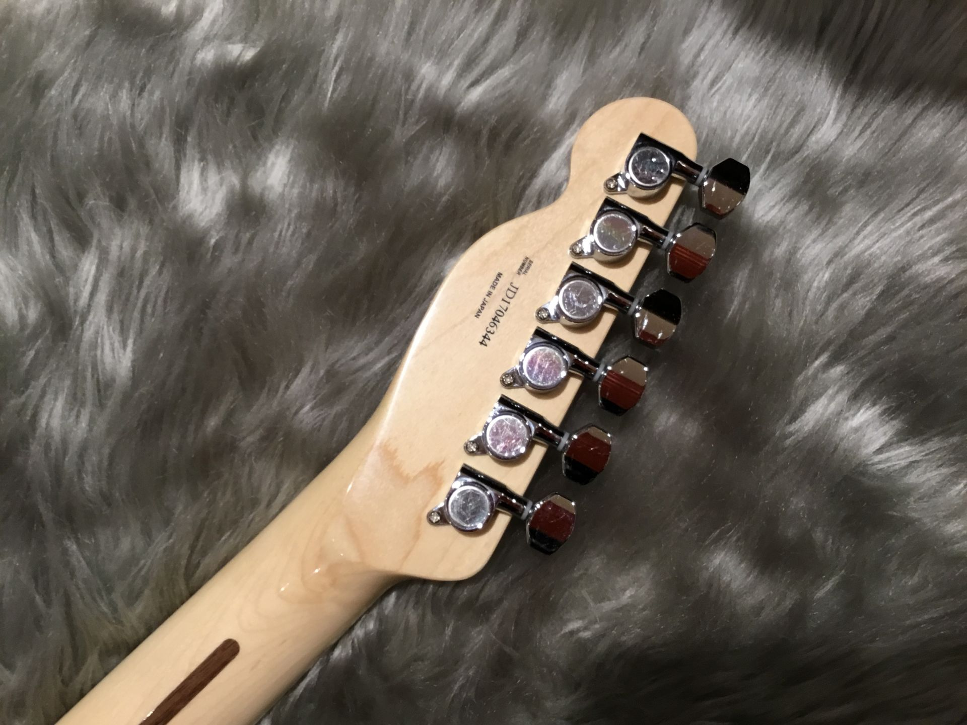 MADE IN JAPAN TRADITIONAL 70S TELECASTER® CUSTOMのヘッド裏-アップ画像