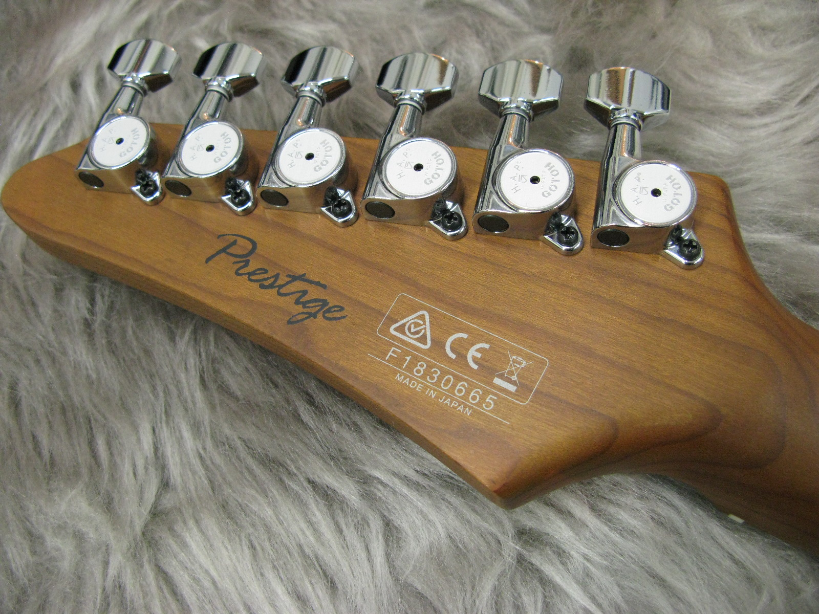 AZ2402のヘッド裏-アップ画像