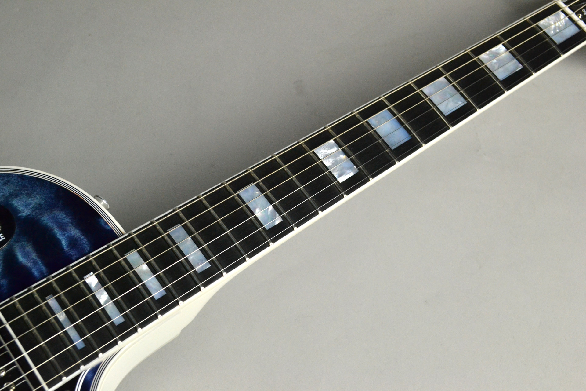 Les Paul Custom 3A Quilt Top Nordic Blue/Alpine White 【ホワイトバック!】の指板画像