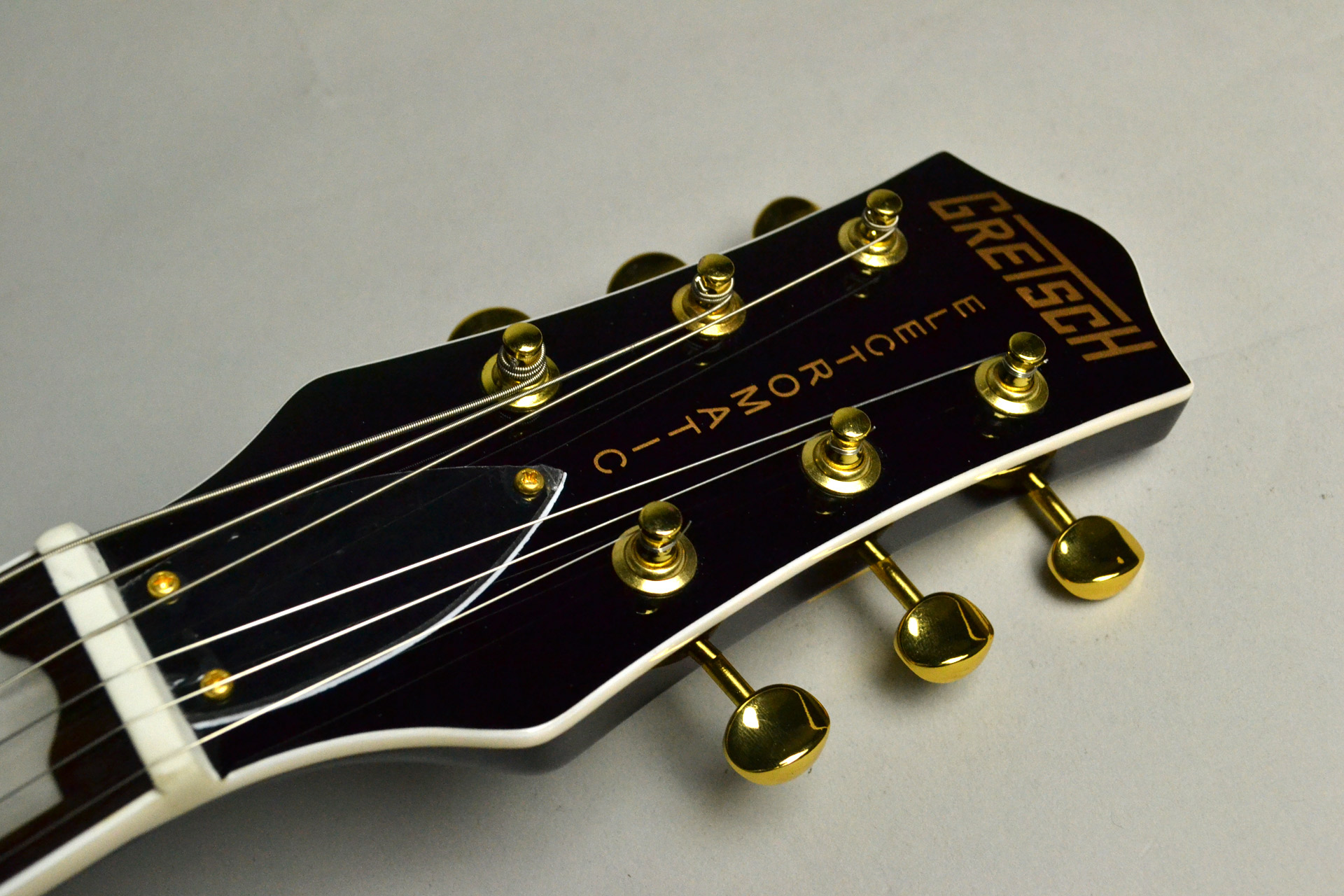 G5435TG Limited Edition Pro Jet™ with Bigsby® Cadillac Greenのヘッド画像
