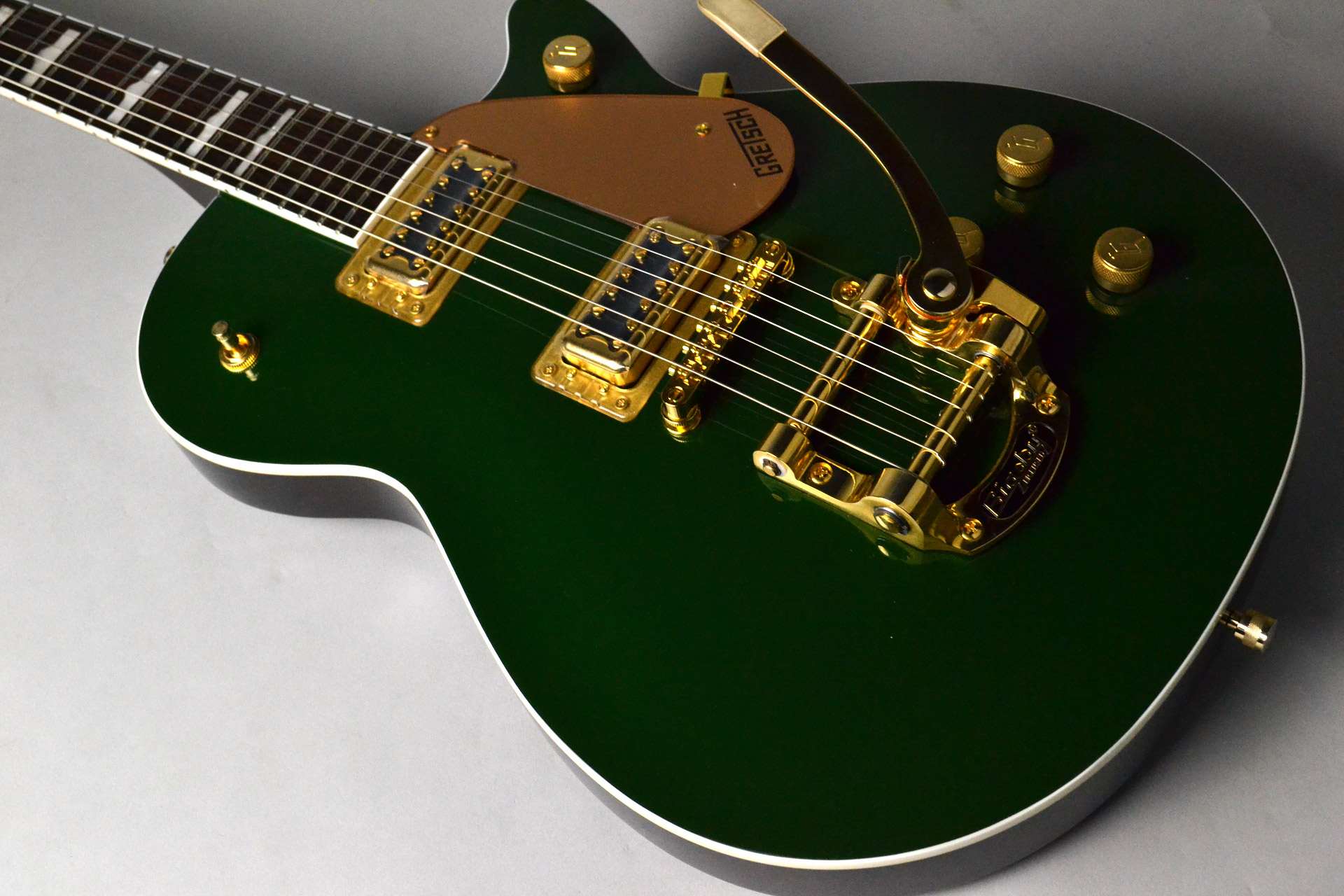 G5435TG Limited Edition Pro Jet™ with Bigsby® Cadillac Greenの全体画像(縦)